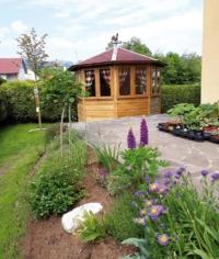 Gartenlaube Blick von Terrasse aus